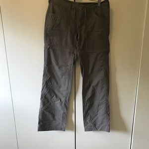 North Face Women's Pants with Zipper for Shorts